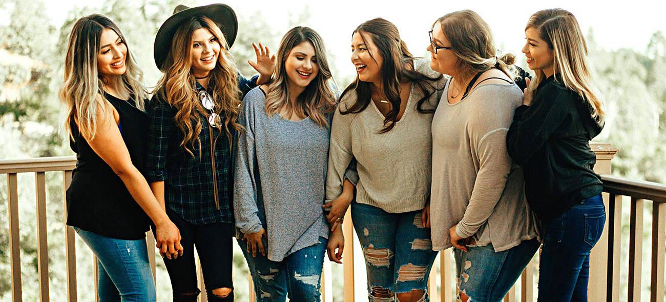 Mit Freundinnen gemeinsam den richtigen Selbstverteidigungskurs finden