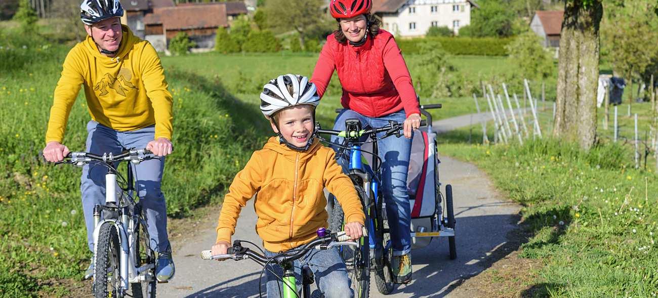 Ab ins Grüne: Familienausflug mit dem Fahrrad