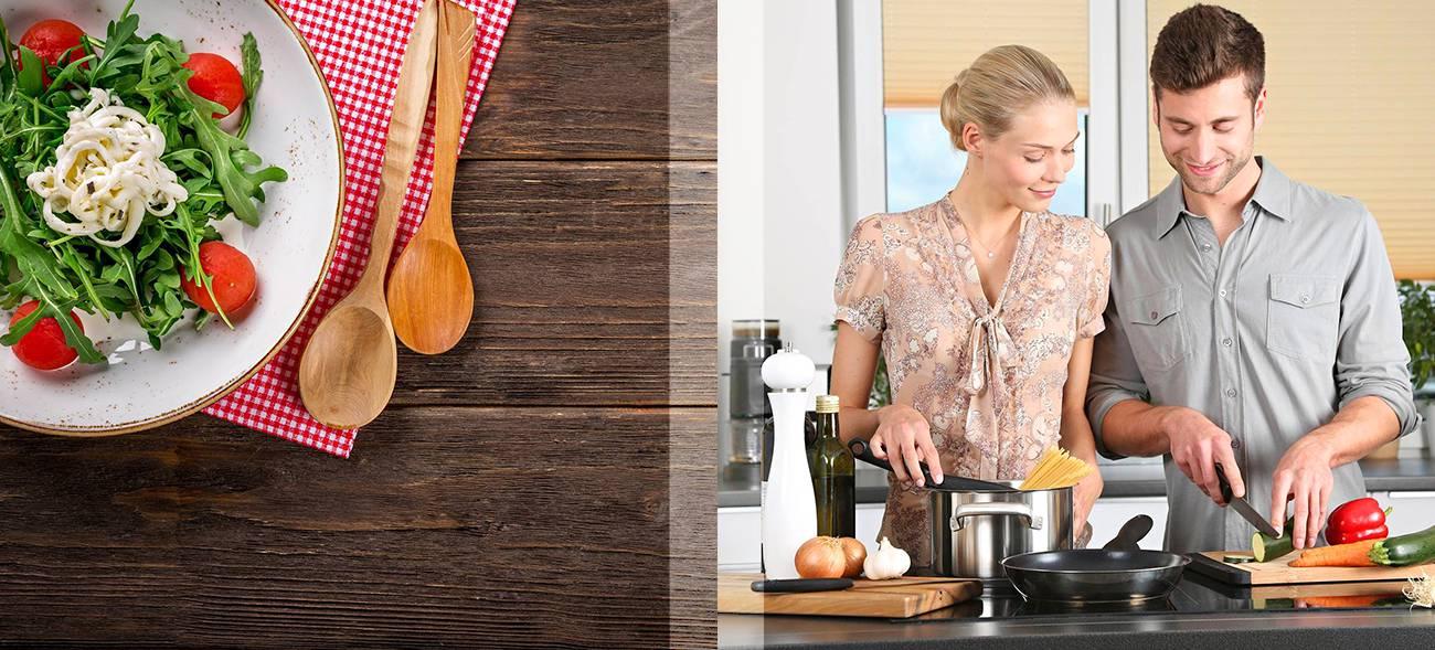 Teamwork: Das Essen mit der Koch-App gemeinsam vorbereiten