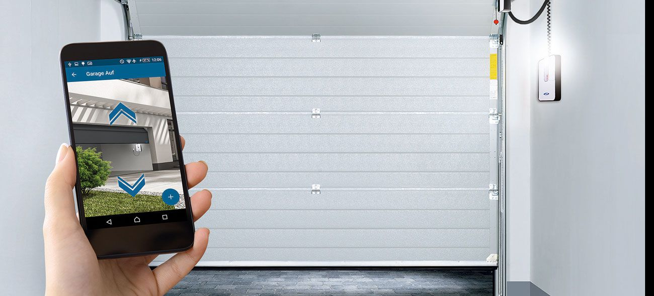 Öffnung per Knopfdruck: smarte Garagentore