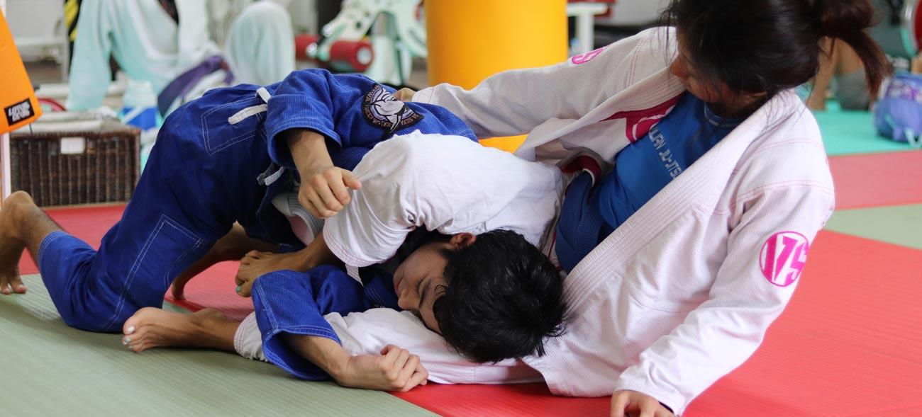 Im Brazilian Ju-Jutsu liegt der Schwerpunkt auf dem Bodenkampf