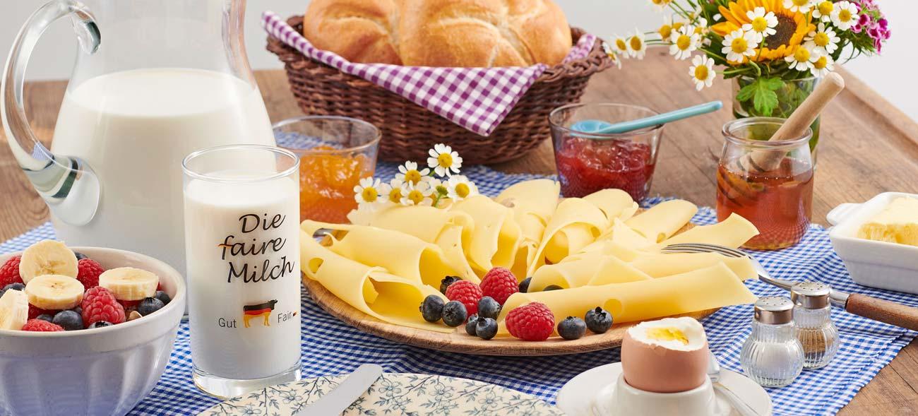 Leckeres Frühstück mit fairer Milchproduktion